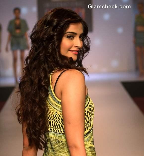 Sonam Kapoor 2013 latest pics