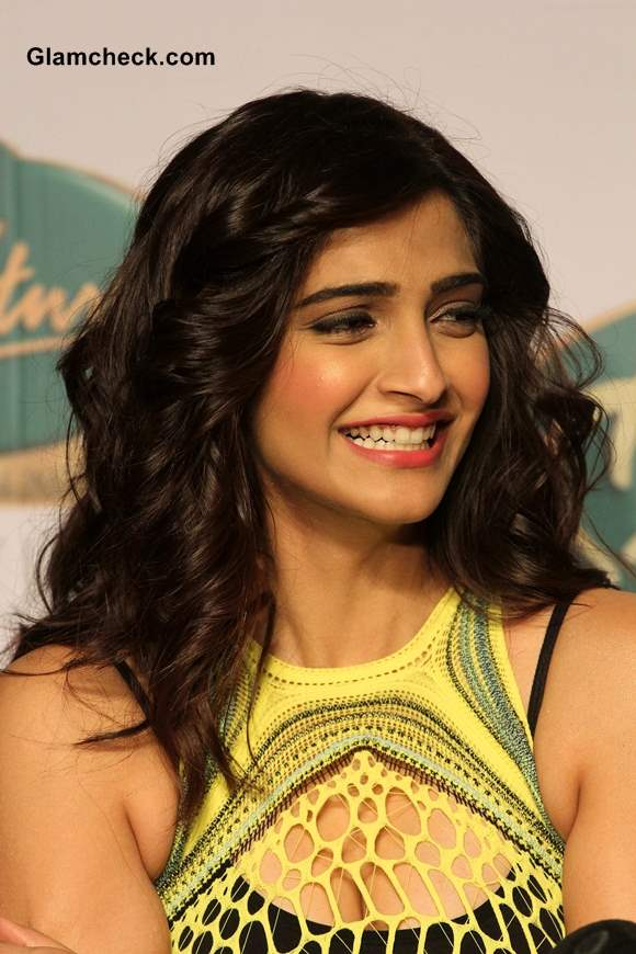 Sonam Kapoor Pictures Mark Fast SIFW 2013