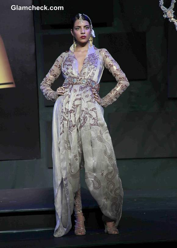 Suneet Varma outfits at 2013 Blenders Pride Fashion Tour