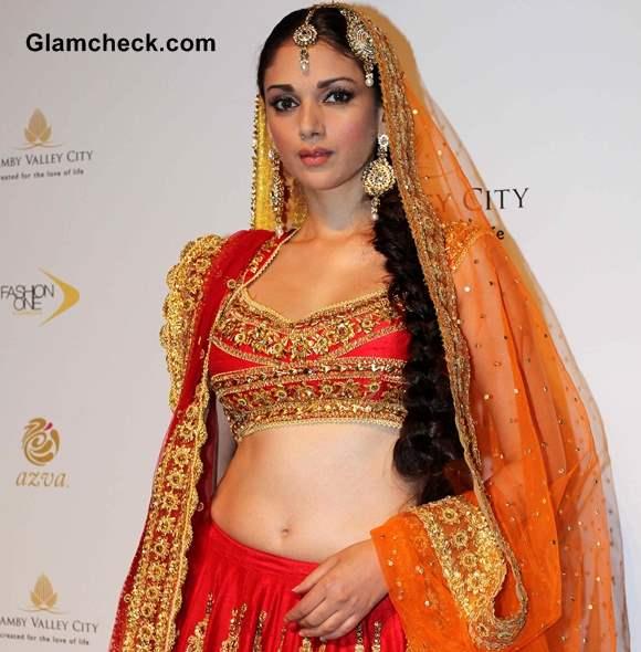 Aditi Rao Hyadri  for Preeti Misharm Kapoor IBFW 2013