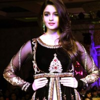 Alia Bhatt at Khwaab Bridal Couture 2013