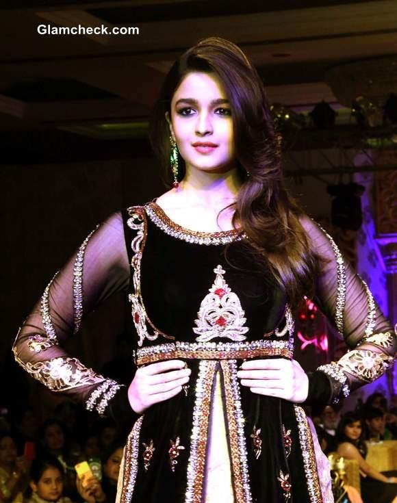 Alia Bhatt at Khwaab Bridal Couture 2013