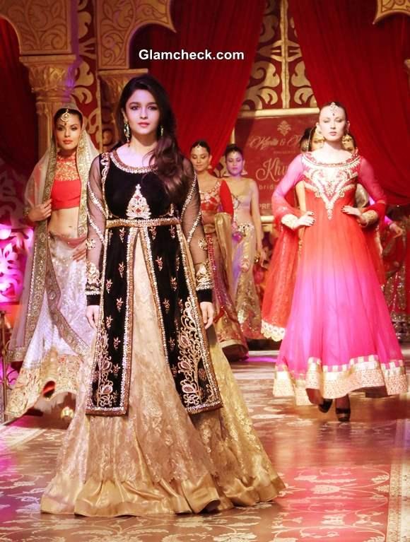 Alia Bhatt For Kavita Meenu At Khwaab Bridal Couture 2013