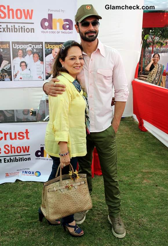 Ashmit Patel along with his mother Asha Patel