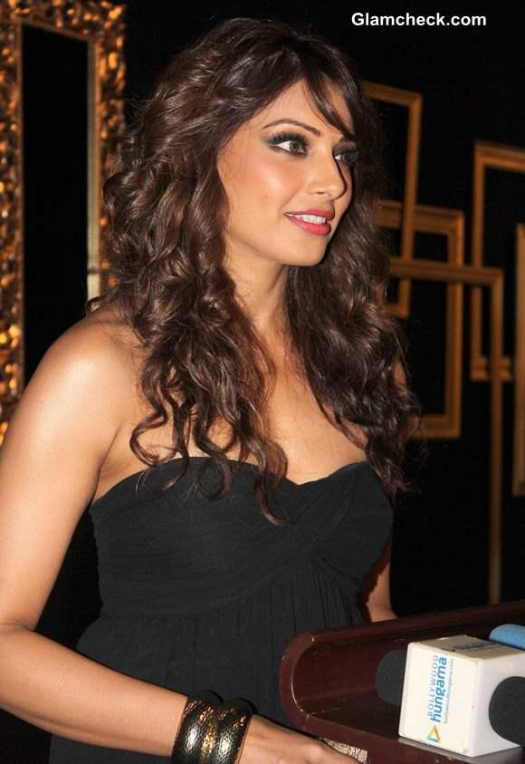 Bipasha Basu Curly Hair 2013 at Deepika Padukone Success Party