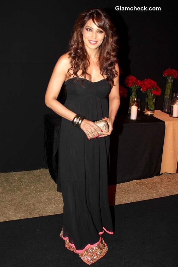 Bipasha Basu in Black Dress at Deepika Padukone Success Party