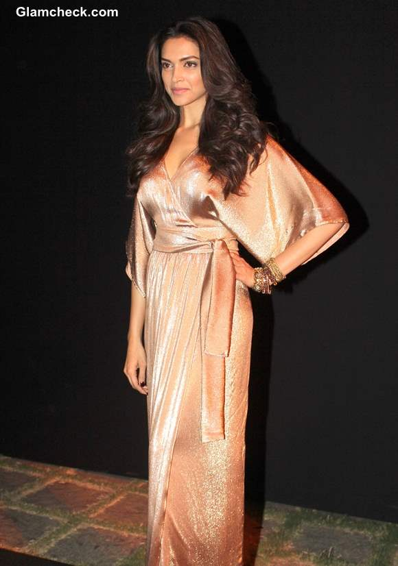 Deepika Padukone Looking Like A Goddess In Gold Gown