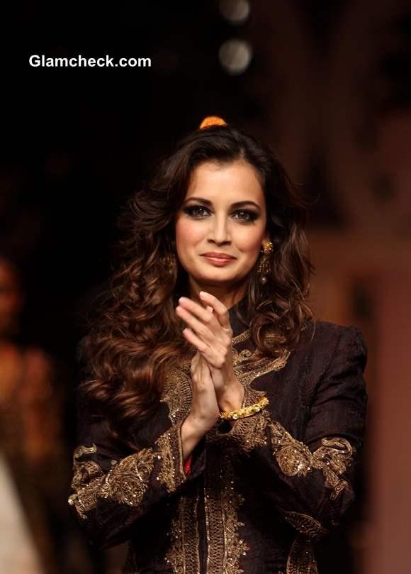 Dia Mirza at IBFW 2013 Mumbai