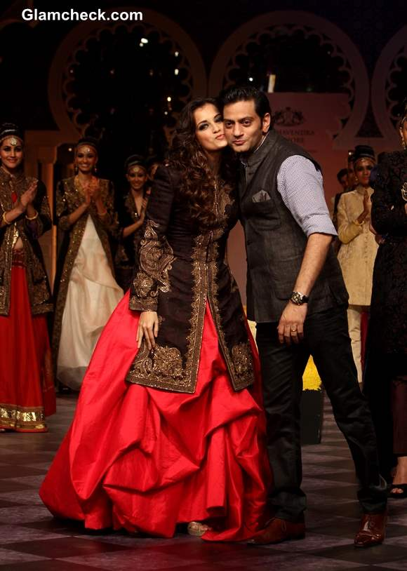 Dia Mirza for Raghavendra Rathore at IBFW 2013