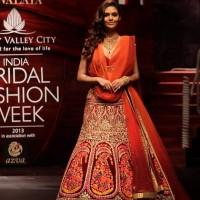 Esha Gupta IBFW 2013 Mumbai