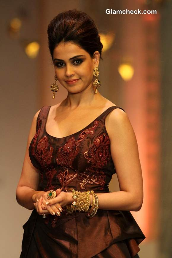 Genelia at IBFW 2013 Mumbai  for Neeta Lulla