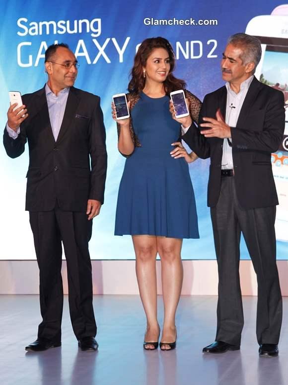 Huma Qureshi at Samsung GALAXY Grand 2 Launch
