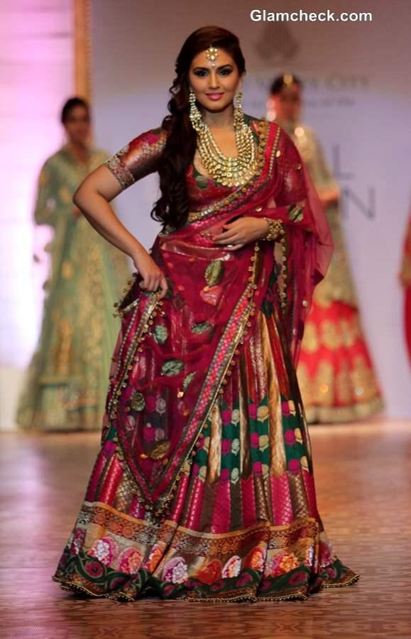 India Bridal Fashion Week 2013 Mumbai Huma Qureshi in Ashima Leena Lehenga