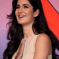 Katrina Kaif Dhoom 3 Mumbai Press Conference Ahead of Premiere