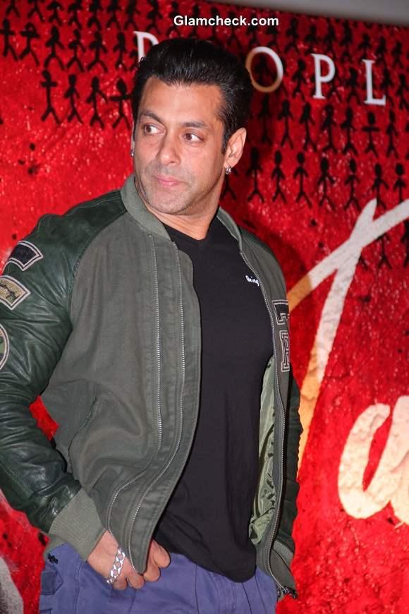 Salman Khan Launches Jai Ho Trailer in Mumbai