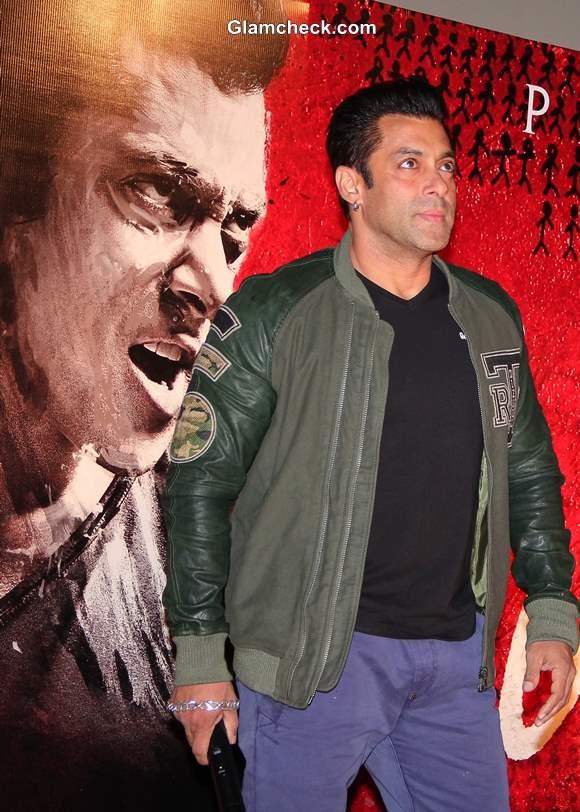 Salman Khan and Brothers Launch Jai Ho Trailer in Mumbai