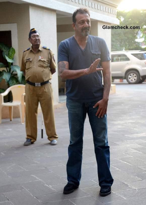 Sanjay Dutt Released on Parole 2013