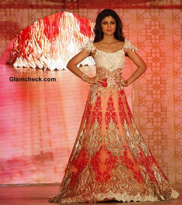Shilpa Shetty Walks for Rohit Verma at Marigold Watches Fashion Show