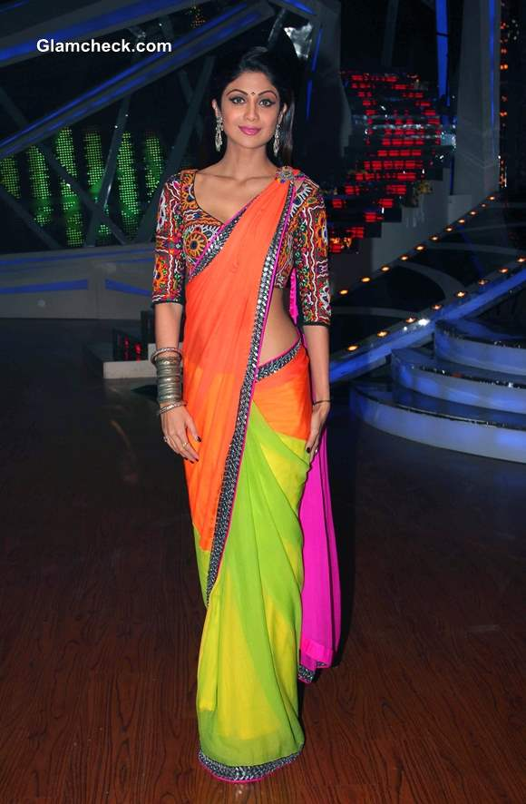 Shilpa Shetty in Color Block Sari Nach Baliye 6