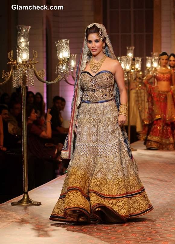 Sophie Choudry in Beautiful Azva jewellery and Corset Lehenga for Mandira Wirk