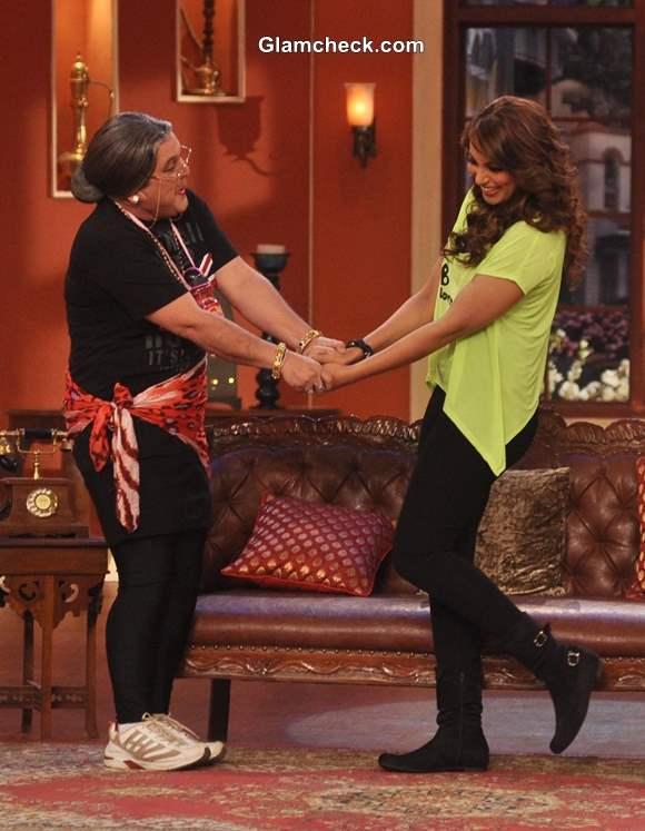 Bipasha Basu Promotes Unleash Fitness DVD Comedy Nights with Kapil