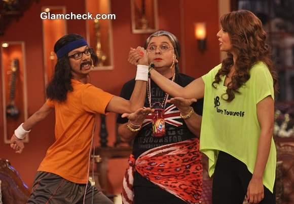 Bipasha Basu Promotes Unleash Fitness DVD on Comedy Nights with Kapil
