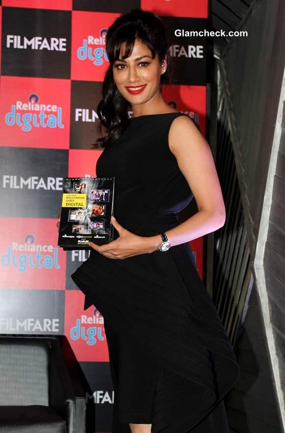 Chitrangada Singh Launches Filmfare 2014 Calendar in Gauri  Nainika LBD