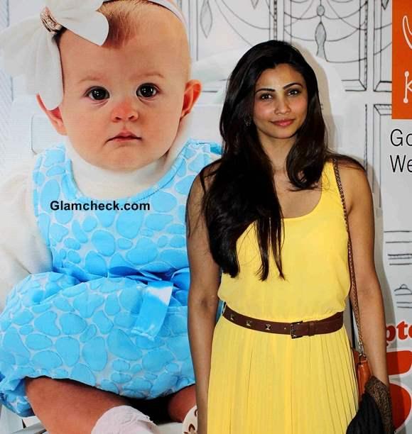 Daisy Shah 2014 at Jai Ho Special Screening