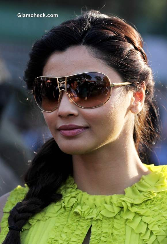 Daisy Shah 2014 at Midday Trophy