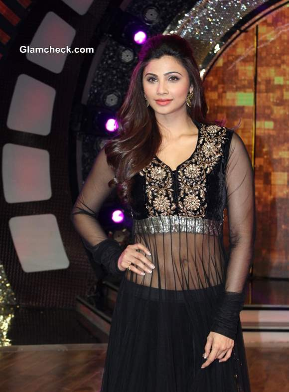 Daisy Shah Pictures Jai Ho on Dance India Dance