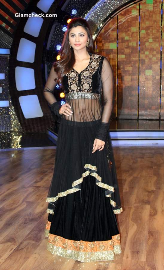 Daisy Shah Promotes Jai Ho on Dance India Dance