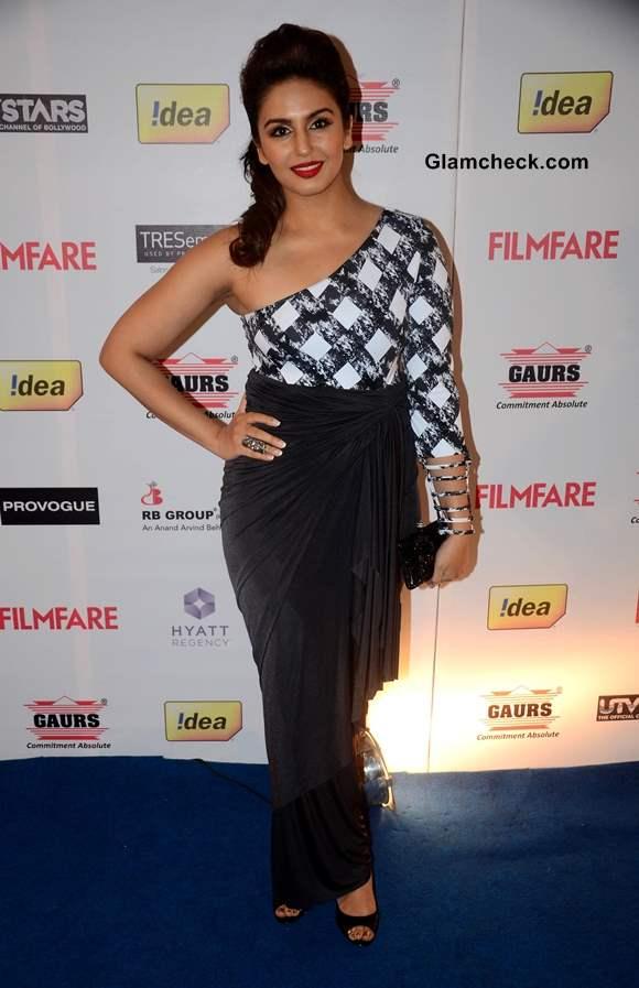 Huma Qureshi in Fusion Sari at Filmfare Pre Awards Party 2014