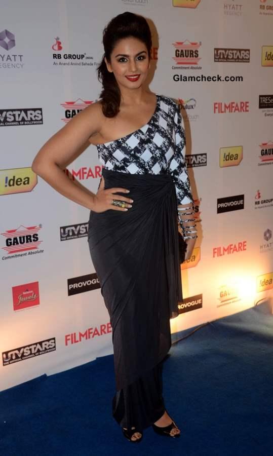 Huma Qureshi in Shivan and Narresh Fusion Sari at Filmfare Pre Awards Party 2014