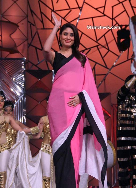 Kareen kapoor in Pink Sari at Umang 2014