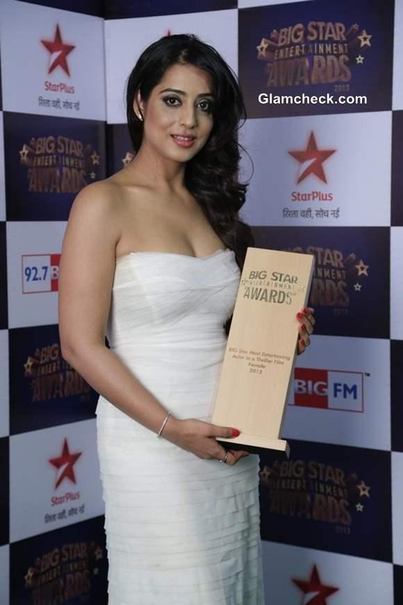 Mahie Gill at Big Star Entertainment Awards 2013