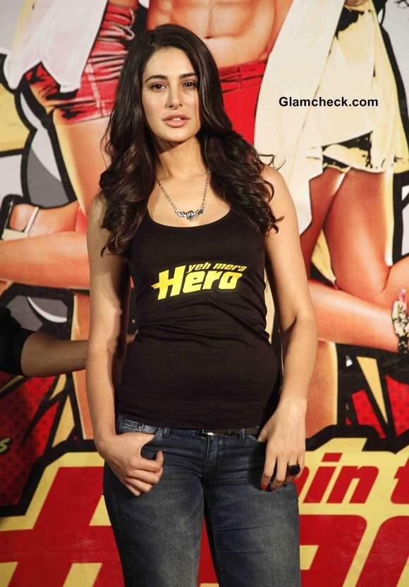 Nargis Fakhri 2014 at Main Tera Hero Trailer Launch