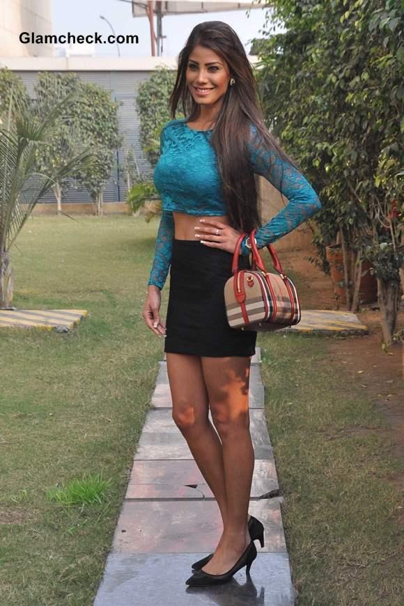 Nicole Faria  in Lace Cropped Top at Yaariyan Promo