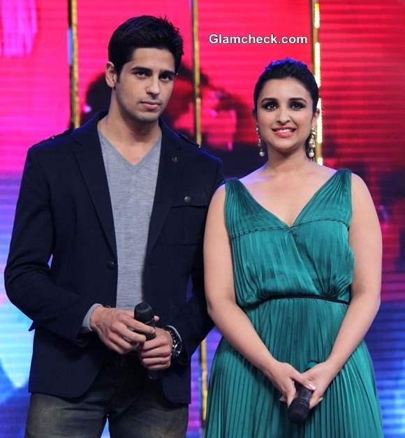 Parineeti Chopra and  Siddharth Malhotra Promote Hasee Toh Phase in Mumbai