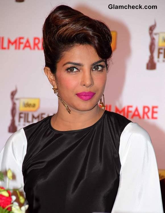Kitrena kaif catch on sex tape at srilanka hotel in awards 2011 - 3 9