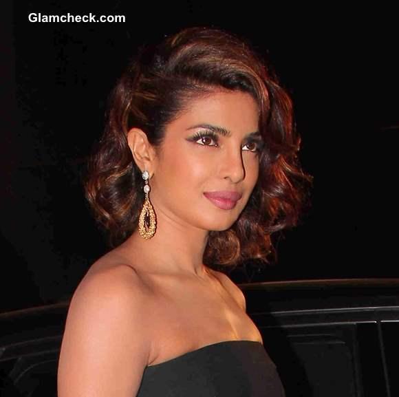 Priyanka Chopra Hairstyle and Makeup At Filmfare Awards 2014