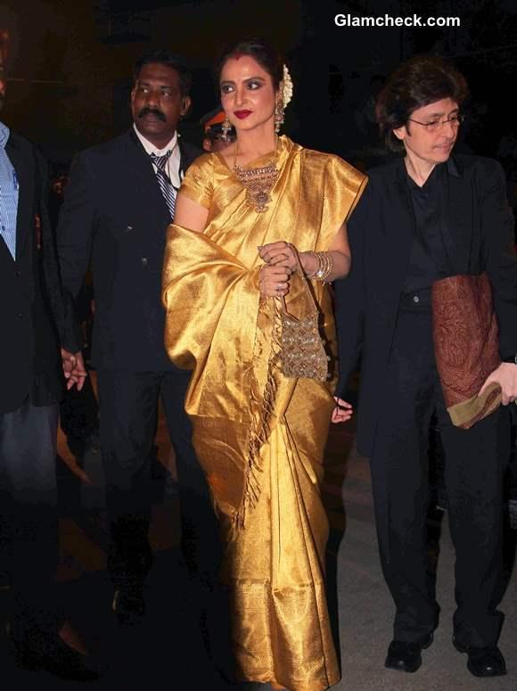 Rekha Glows in Gold Sari 2014 at 59th Filmfare Awards