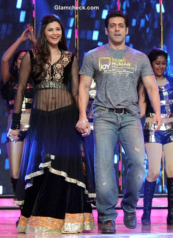 Salman Khan Daisy Shah Promote Jai Ho on Dance India Dance