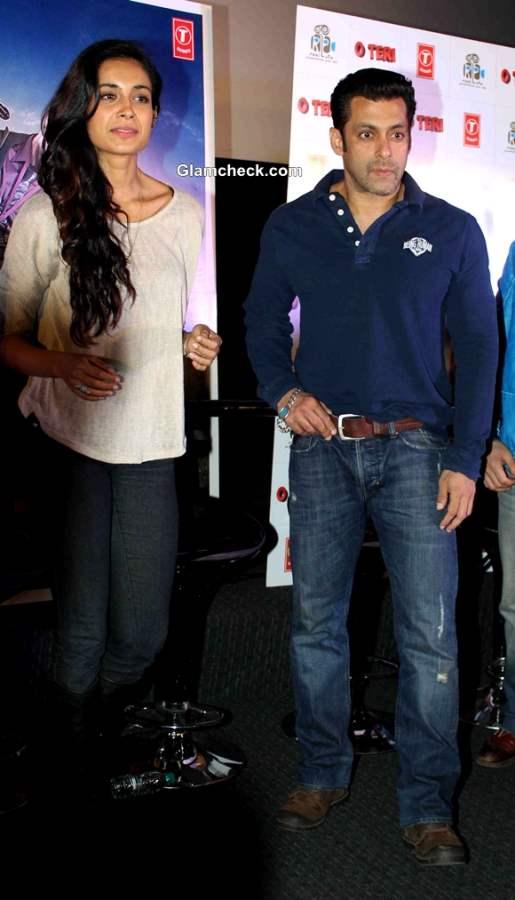 Salman Khan Launches Trailer of Atul Agnihotris O Teri
