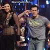 Salman Khan and Daisy Shah Promote Jai Ho on Dance India Dance