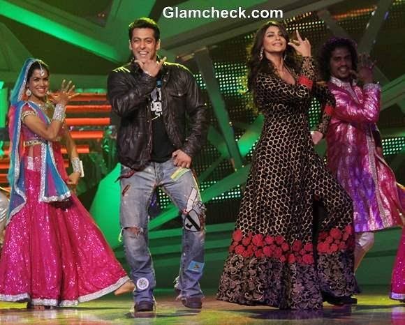 Salman Khan and Daisy Shah Promote Jai Ho on Nach Baliye 6
