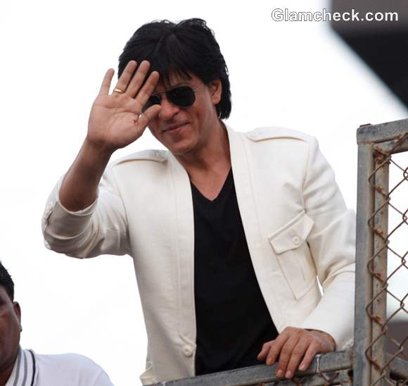 Shah Rukh Khan injured rushed to Nanavati Hospital
