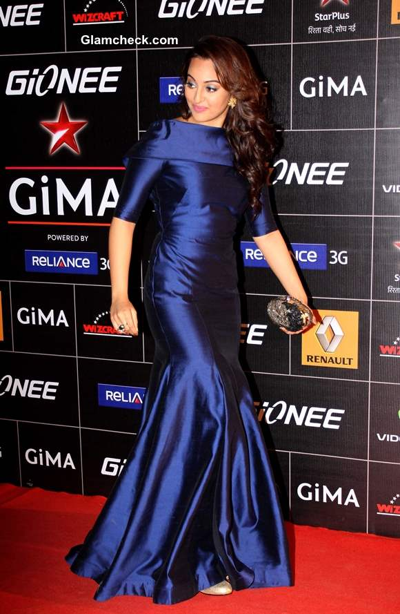 Sonakshi Sinha in Blue Gown at GIMA 2014