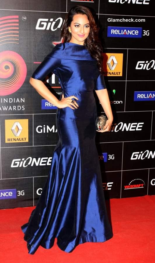 Sonakshi Sinha in Gauri and Nainika Gown at GIMA 2014