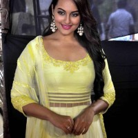 Sonakshi upset over few nominations for Lootera