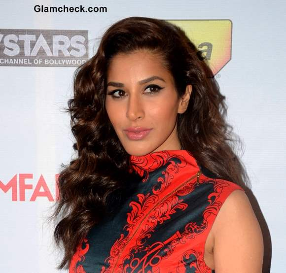 Sophie Choudry Hair and Makeup at the 59th Idea Filmfare Pre-awards Party
